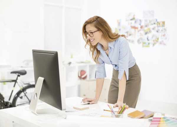 Female interior designer working in an office.