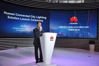 Discurso de bienvenida a cargo de Swift Liu, Presidente de la Línea de Productos Huawei Switch y Comunicaciones Empresariales de Huawei.